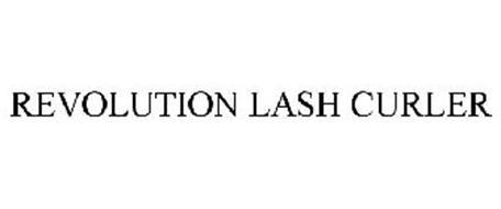 REVOLUTION LASH CURLER