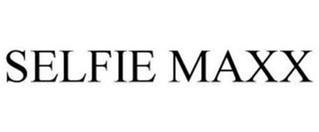 SELFIE MAXX