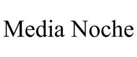 MEDIA NOCHE