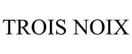 TROIS NOIX